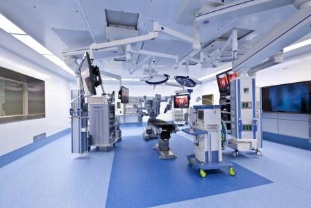 鳥取大学医学部付属病院の、鳥取県の日本海をイメージした手術室