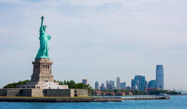 特に医療費が高いのはニューヨーク